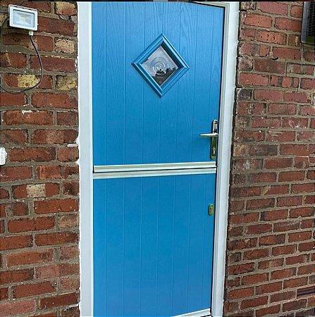 Sliders - Stable Doors Blue with Bullseye Glass