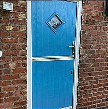 505/Sliders/Stable-Doors-Blue-with-Bullseye-Glass